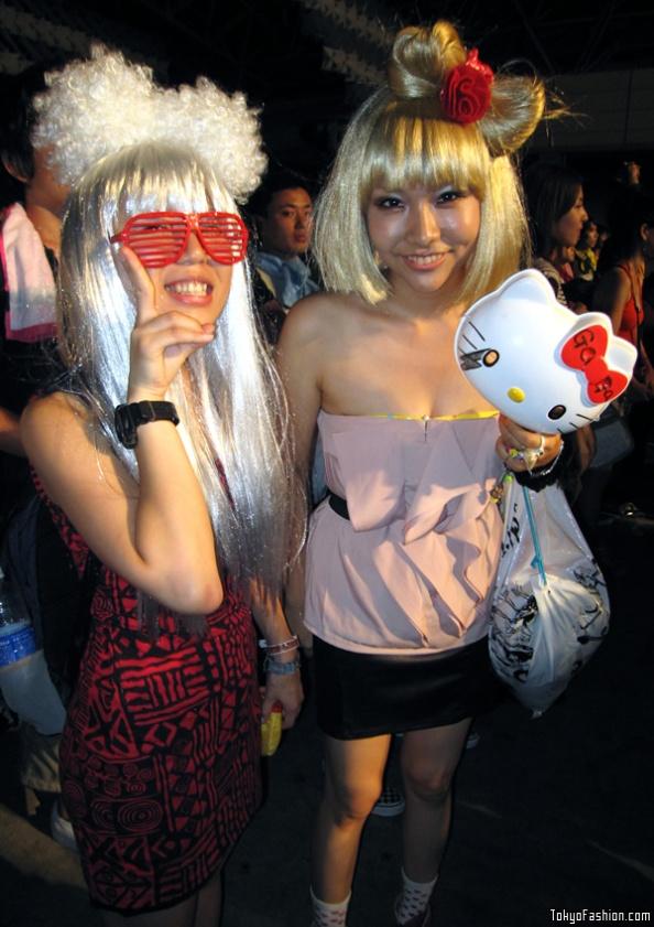 Lady-Gaga-Japanese-Fans-SS-2009-011-b