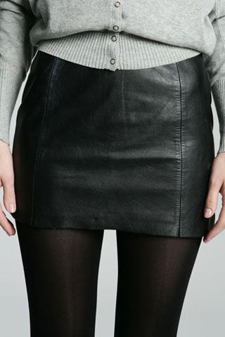 UrbanOutfitters renewal leather mini skirt 72d 45p
